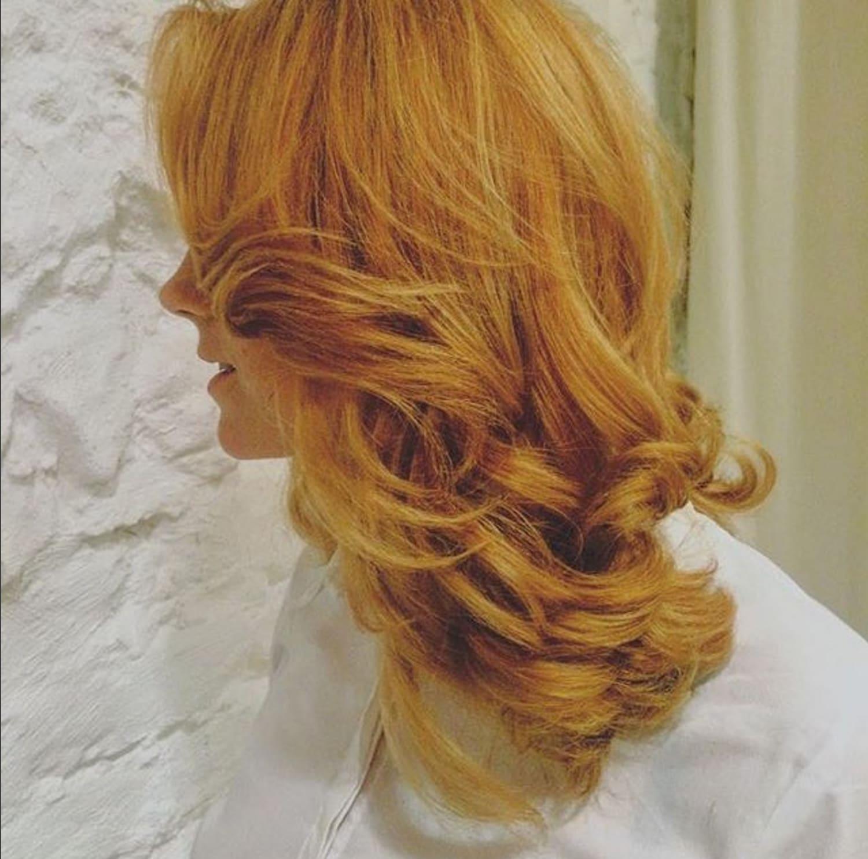 Carola Claudia Staudinger Hair Salon & Spa Amerikanische Beauty-Experten und Stylisten, darunter auch Carola Claudia Staudinger, schwören schon lange auf Olaplex.Cecilia vom LOOK live Magazin will sich selbst davon überzeugenund testet Olaplex bei Carola.