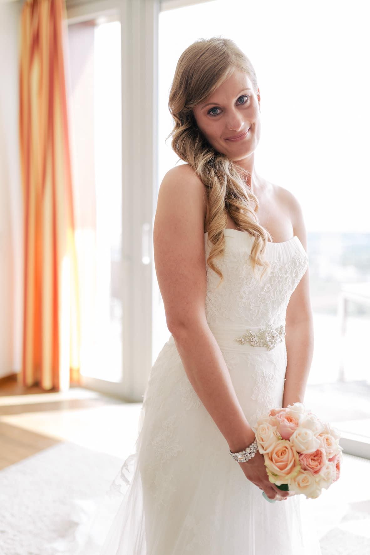 Jasmin & Clemens, wedding hair by Carola Claudia Staudinger | Fotos by Xenia Bluhm
