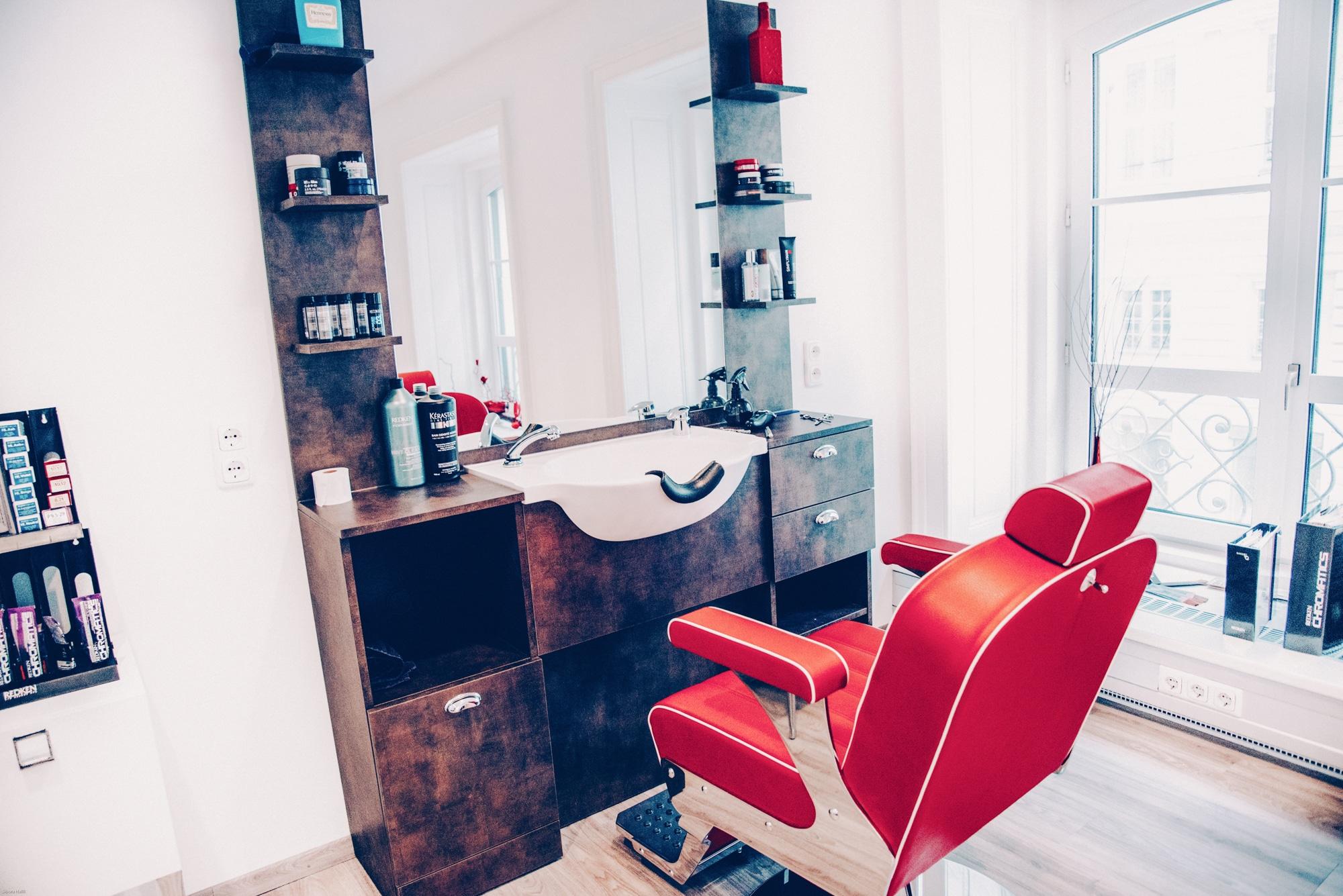 Carola Claudia Staudinger Hair Salon & Spa Zum Salon:Carola Claudia Staudinger ist ein exklusiver Hair & Spa Salon im 1. Bezirk, Nähe Wiener Staatsoper. Neben hochqualitativem Service ermöglichen wir unseren Kunden mit jedem Besuch ein absolutes Wohlfühl- und Erholungserlebnis. Teil unserer Crew zu sein bedeutet viel Abwechslung und die Möglichkeit zur kreativen Selbstverwirklichung.